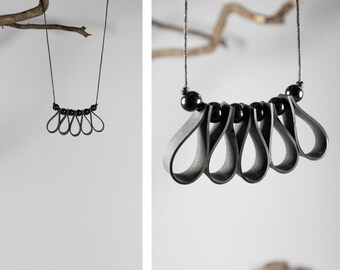 Necklace, bassin folie, beads