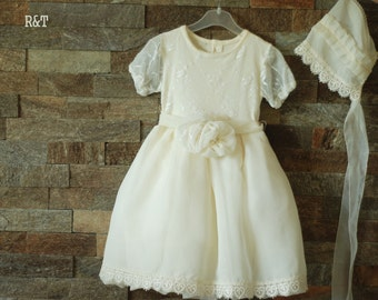dress, eggshell color. Fits girls 12-18 months photography prop, RTS