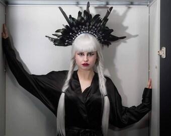 Posey. headdress, headpiece, feathers, goth, fetish, burlesque, drag, catwalk, model, photoshoot, fashion, halo, statement,