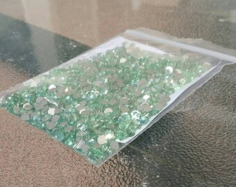 Swarovski flat back 36 pack SS16 Chrysolite (4.0mm)