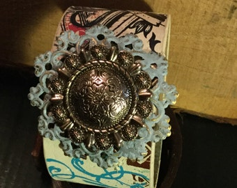 Hipster Cuff bracelet with filigree back and concho