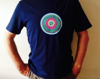 Hip cool retro target or bullseye design T-shirt