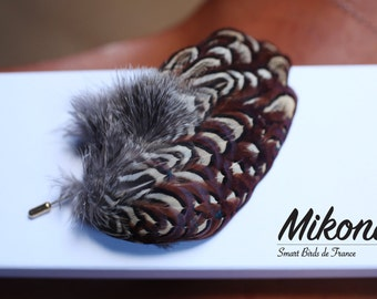 Brooch / pin in pheasant feathers - Mikona