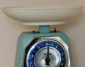 RESERVED Vintage turquoise kitchen scale made by Stube, 1950s, 1960s 10kg, weighing scale
