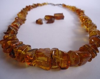 Yellow amber chips necklace. Silver clasp. Handmade