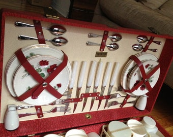 Vintage Brexton English Picnic Set