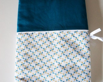 Protects health record made of cotton fabric