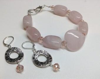 Bracelet and earrings made of rose quartz