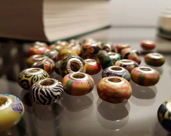 Lot of 40 painted 5mm polymer clay and silver-plated brass beads