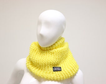 Granny Style yellow scarf