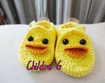 Crochet baby duck b booties shoes (new baby)
