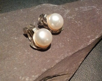 Vintage Silver & Pearl Clip On Earrings