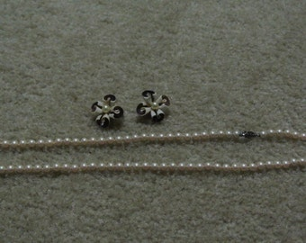 pearl  necklace and shell clip -on earrings
