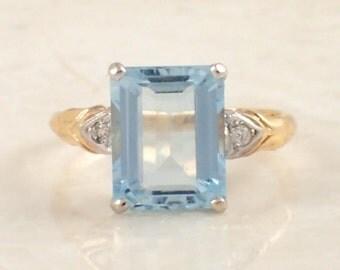 14K White and Yellow Gold Aquamarine and Diamond Ring