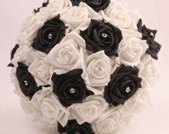 Black and Ivory bouqutes.