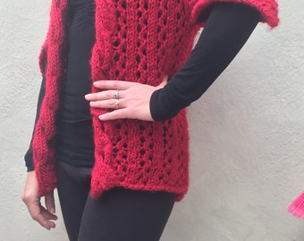 Sweater with sleeves in peak
