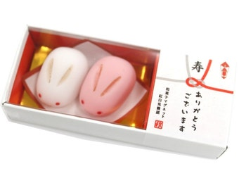 """Japan Sweets magnet """"Red and white rabbit bun"""" MGW005501 2piece"""