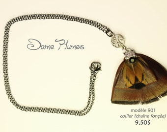 necklace with chain charcoal color and natural feathers
