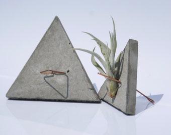 CONCRETE JUNGLE • PYRAMID • concrete and copper air plant holder - planter - home decoration - gift