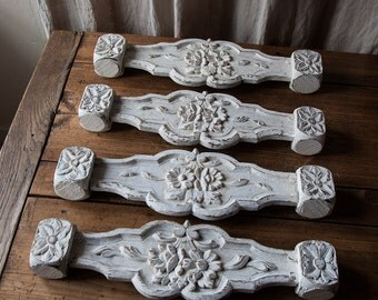Set of 4 old wood with patinated white paint