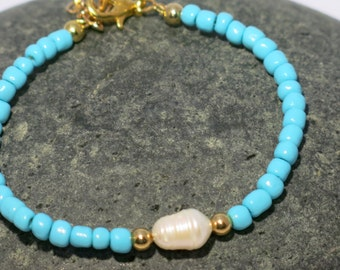 Turquoise and freshwater pearl bracelet, Turquoise Bracelet, Freshwater Pearl Bracelet, Elegant Bracelet,