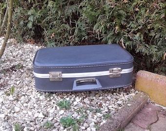 DISCOUNT vintage blue plastic suitcase
