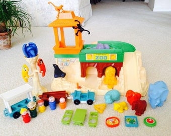 Vintage Fisher Price Little People Zoo  COMPLETE
