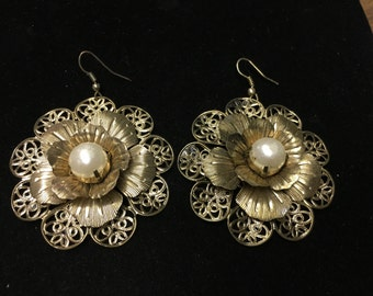 Vintage Earrings Pierced, Dangle Filagree Flowers