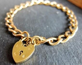 Vintage 9ct Gold Charm Bracelet