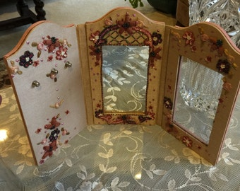 Two's Company Vanity Folding Jewelry Holder, Vintage Decorative Dressing Table Jewelry Rack