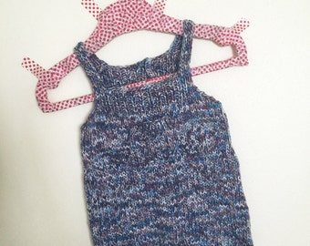 Small romper suit with pockets!