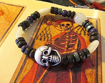 Skull bracelet skull beaded bracelet goth bracelet grunge bracelet emo bracelet indie boho vegan bracelet voodoo tribal Halloween gift.