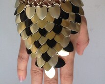 Scale Maille Gauntlet