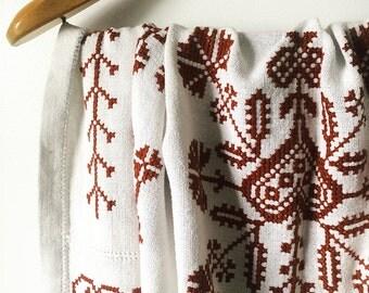 Vintage 1970's, Ultra Soft, White w/Chocolate-Brown, Cotton-Woven, Folk, Needlepoint, Tablecloth, Throw