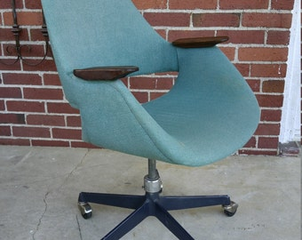 Mid Century Modern Office chair by Doerner-Faultless