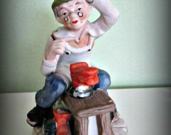 Originele Vintage Hand beschilderde porselein oude Man schoenmaker schoenmaker figuur, Home Decor, keramiek
