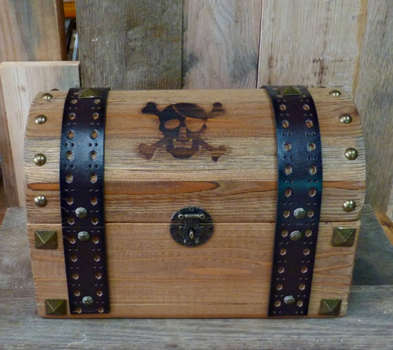 Real Wooden Pirate's treasure chest 6 cedar