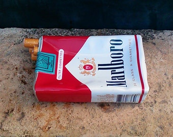 Bar MARLBORO ashtray.
