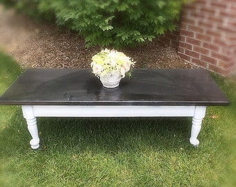 GORGEOUS Rustic/ Vintage  Shabby Chippy Pine Wood Coffee Table