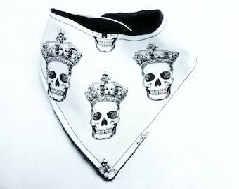Skulls/ Day of the Dead/ Dia de los Muertos/ King Bibdana Bib