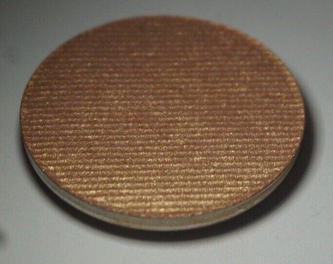 Rumplestiltskin highlighter - Medium toned  peachy gold