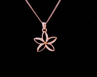 Vintage dainty silver crystal flower necklace.