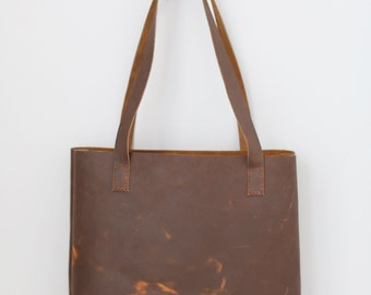 The Pike Leather Tote in Sunset Oil
