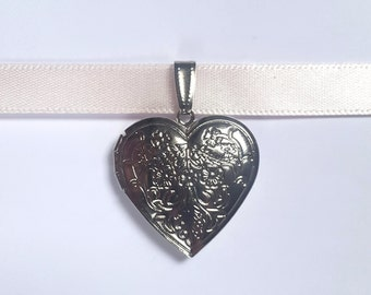 Heart Locket Choker