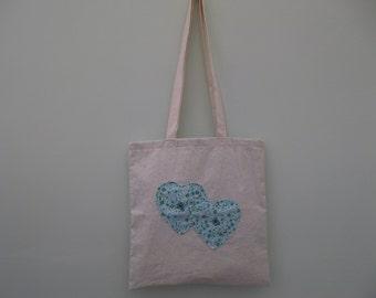 Large tote bag heart design
