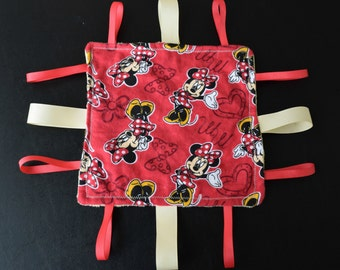 Minnie Mouse Taggie Square