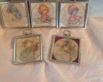 Small Square Picures with Vintage Drawing of Little Girl