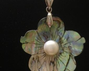 14k white gold vintage flower pearl pendant necklace