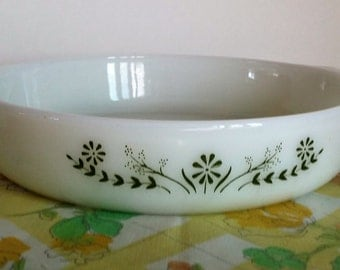 Vintage 2 Quart Bakeware Casserole, Fire King Green and White Glass Casserole, Vintage Kitchen, Vintage Casserole, Vintage Casserole Dish