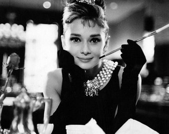 "Audrey Hepburn in Film ""Breakfast at Tiffany's"" - 5X7, 8X10 or 11X14 Publicity Photo (AA-058)"